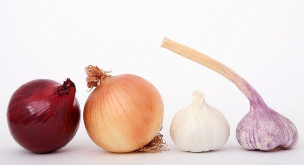 food, onions, garlic-1239423.jpg