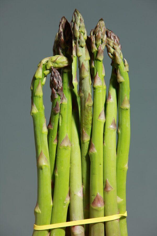 green asparagus, asparagus, green-1331460.jpg